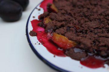 Zwetschgen-Crumble mit Schokoladenstreusel