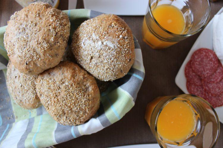 Meine allerersten Frühstücksbrötchen aka Haferle – Synchronbacken sei Dank