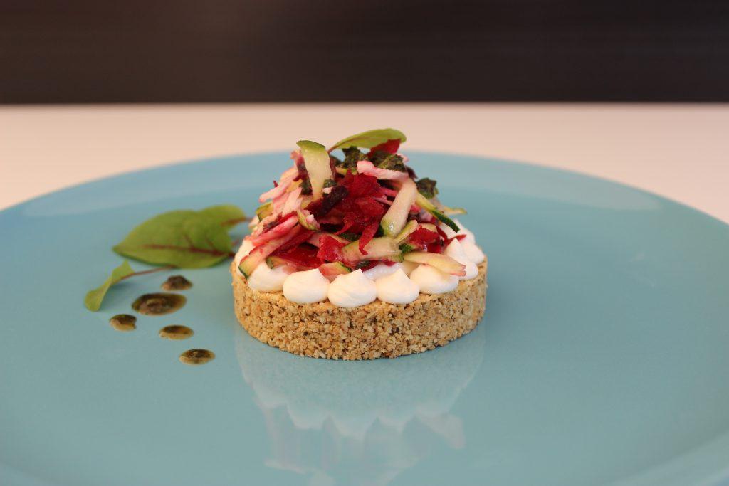 Pikante No-bake-Quiche mit Gemüse und Sauerampfer
