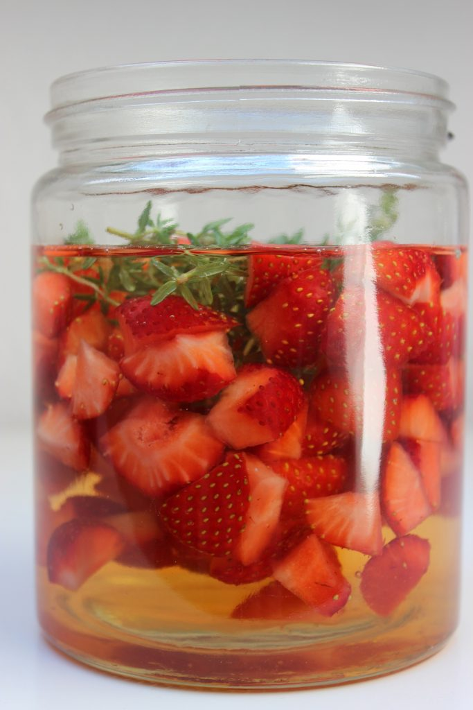 Erdbeer-Thymian-Essig