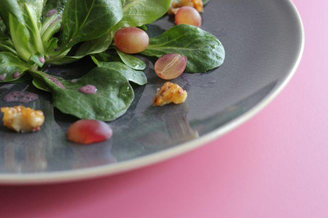Feldsalat mit Rotweindressing