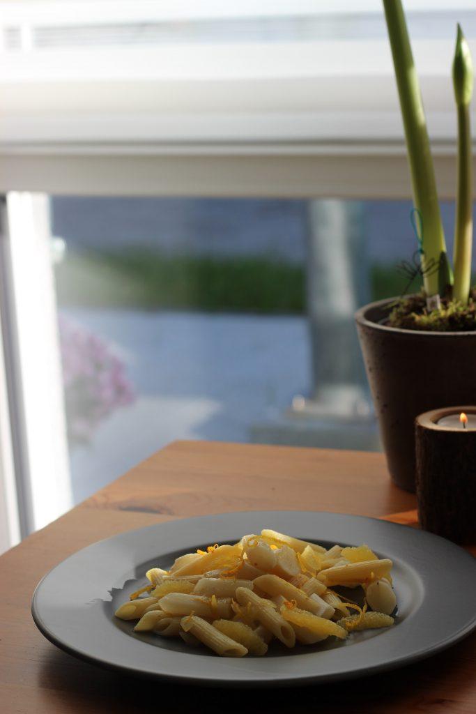 Pasta mit Schwarzwurzeln und Orangen-Anis-Sauce