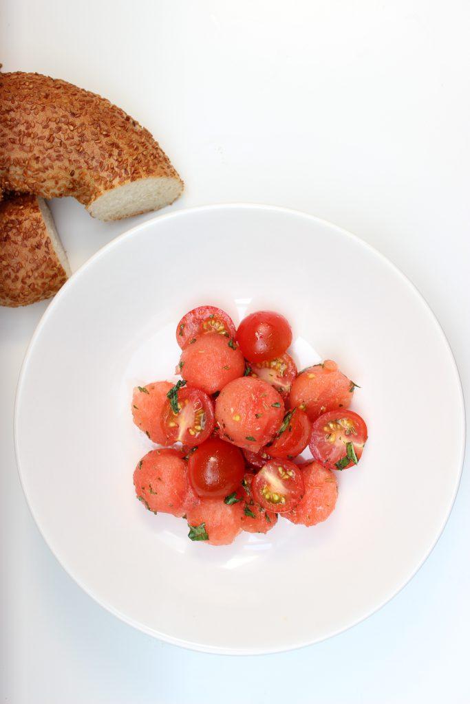 Wassermelonen-Tomaten-Salat