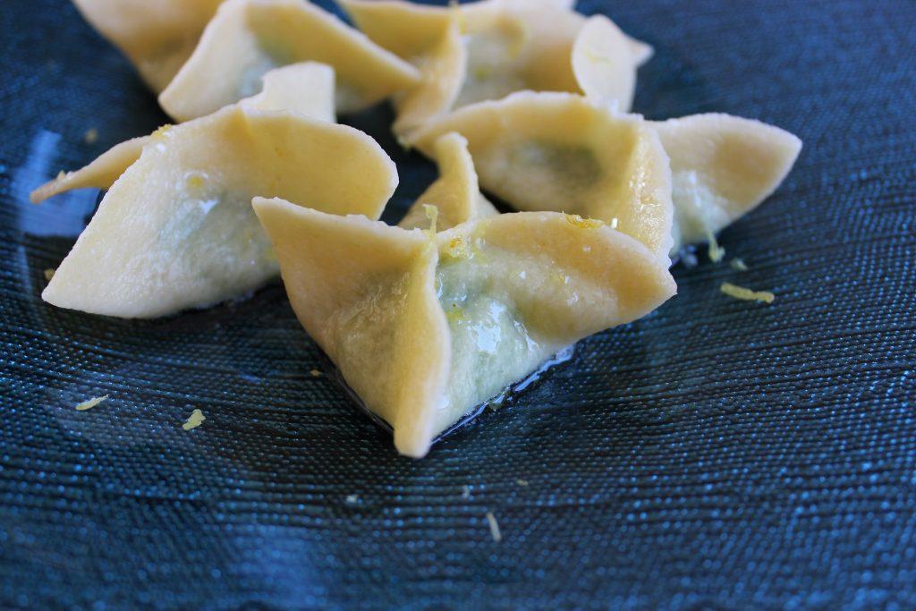 Erbsen-Parmesan-Tortellini mit Zitronenbutter