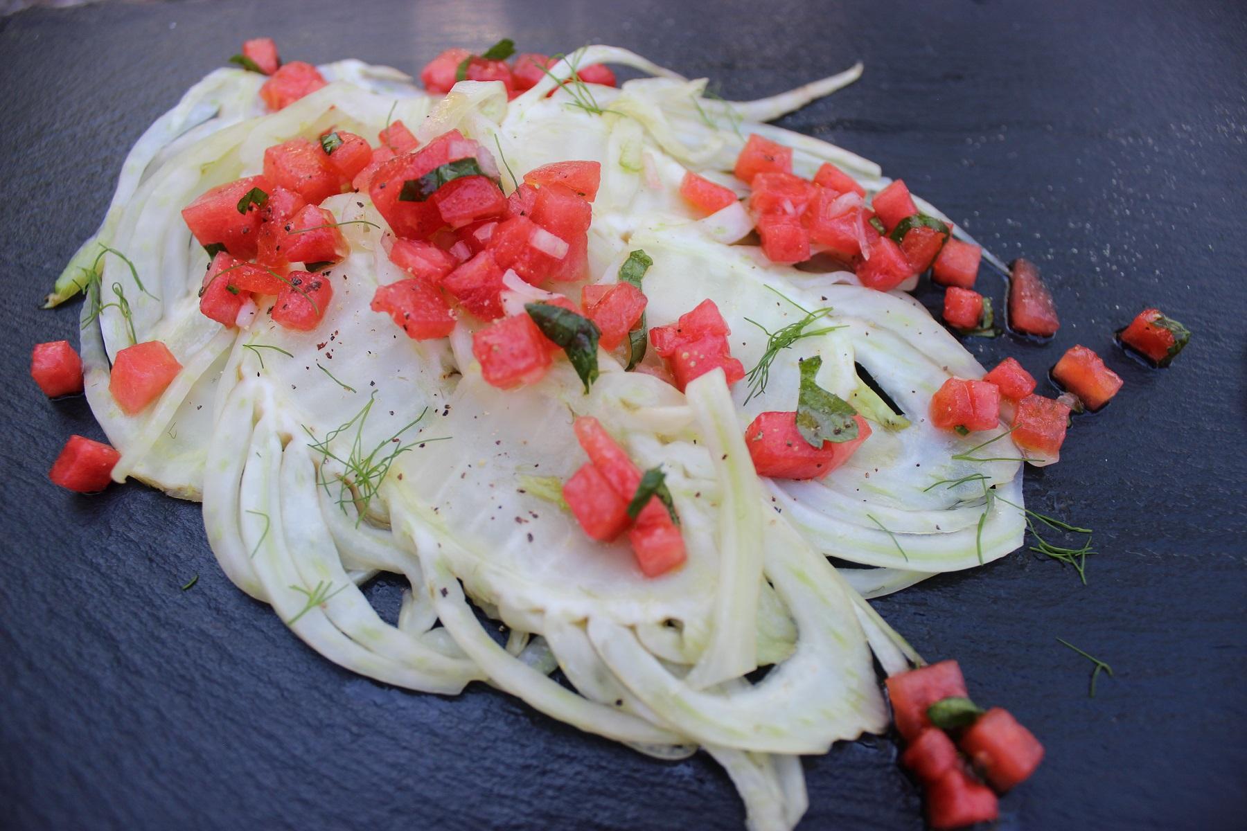 Gegrillter Fenchel-Salat mit Wassermelonen-Salsa