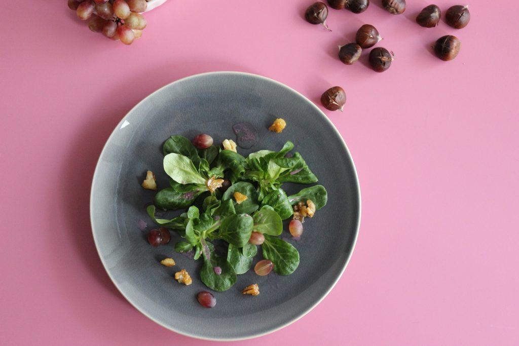 Feldsalat mit Rotwein-Dressing