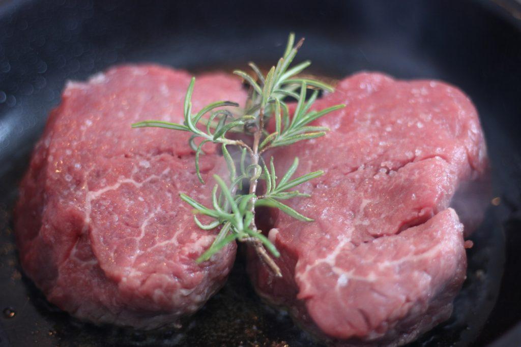 Rinderfilet mit Brombeer-Sauce