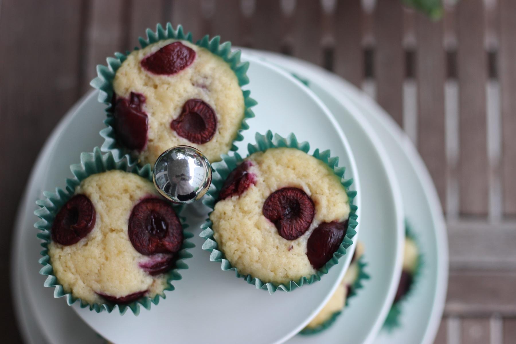 Kokos-Kirsch-Muffins
