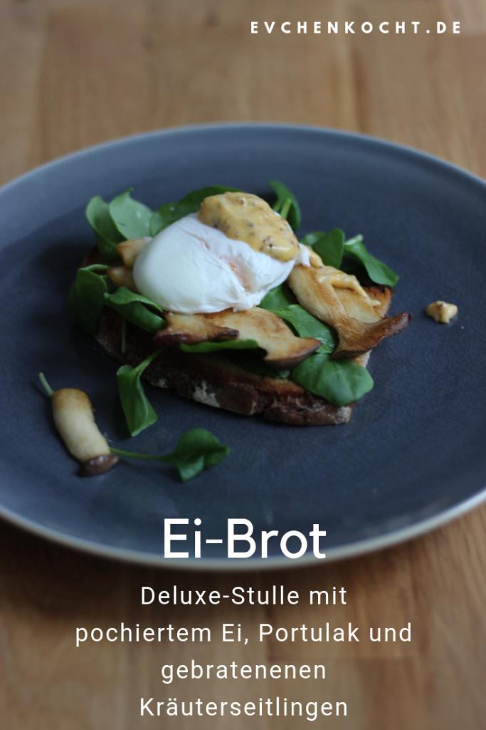 Ei-Brot mit pochiertem Ei, Portulak, gebratenen Kräuterseitlingen und Senfsauce