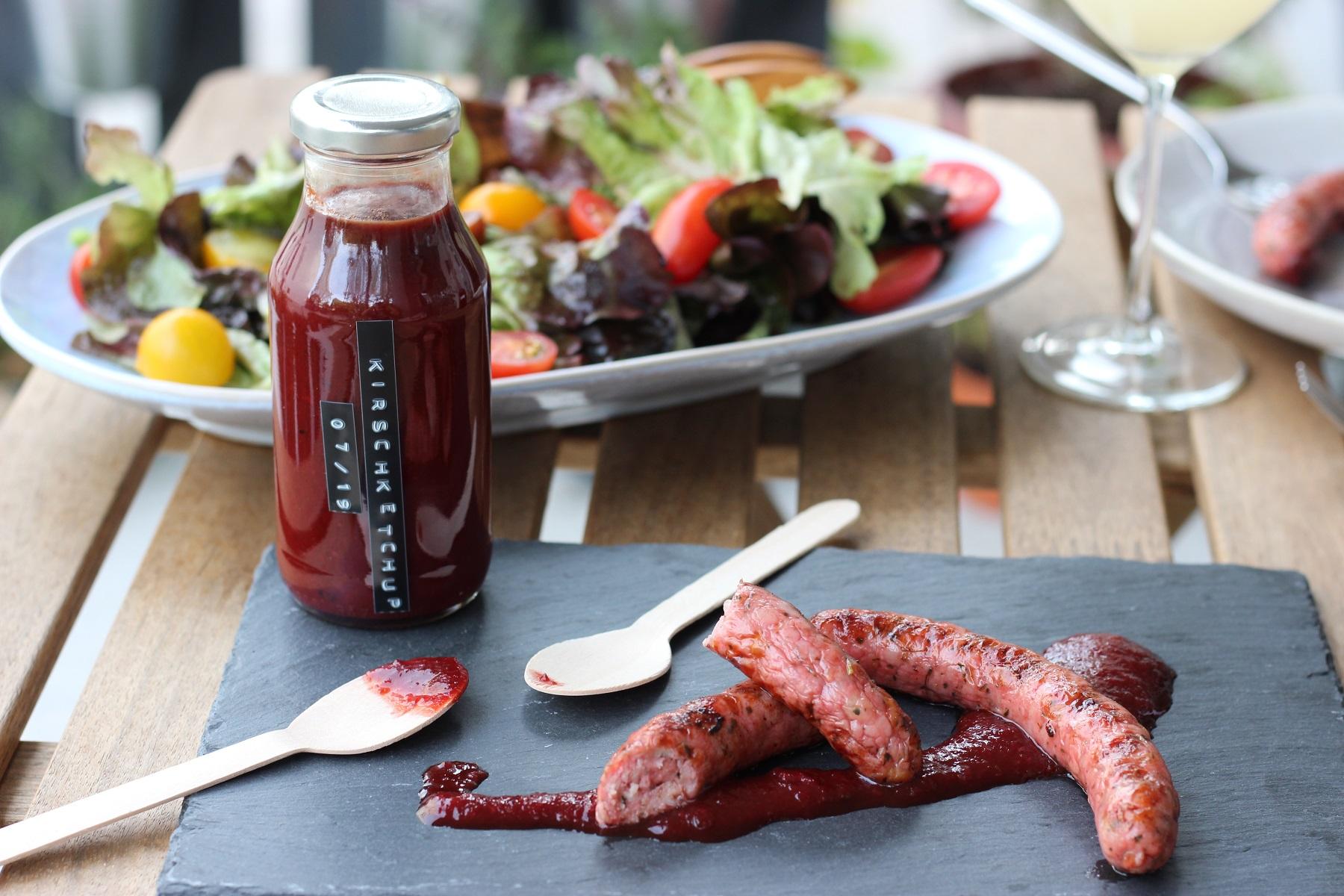 Würziger Kirsch-Ketchup - keine Wurst diesen Sommer ohne!