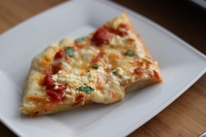 Vier-Käse-Pizza und ein 24-Stunden-Pizzateig-Experiment