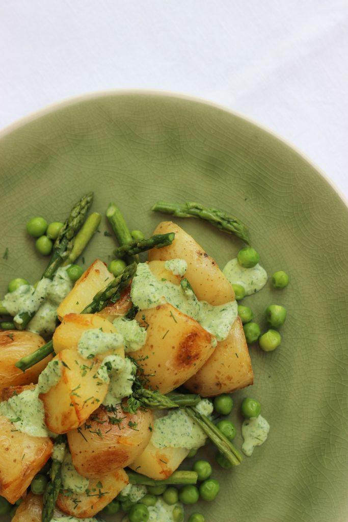 Gerösteter Kartoffelsalat mit keine Grüne-Sauce-Dressing