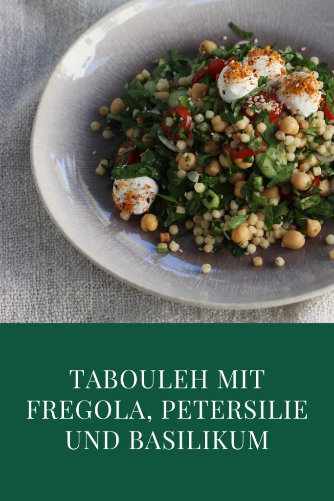 Tabouleh mit Fregola, Petersilie und Basilikum