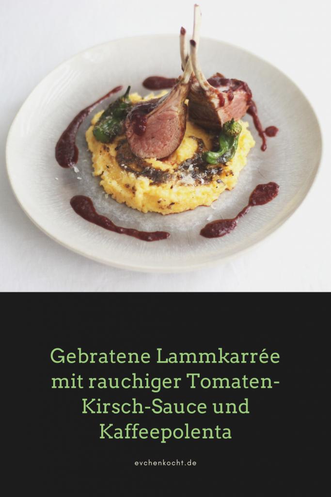 Gebratene Lammkarrée mit rauchiger Tomaten-Kirsch-Sauce, Kaffeepolenta & Pimientos
