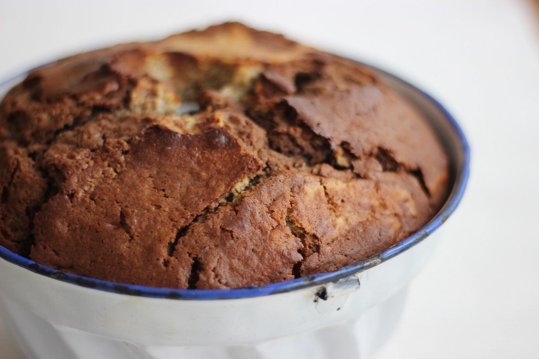 Marmor-Gugelhupf mit Kastanien - zartflaumiger Marmorkuchen
